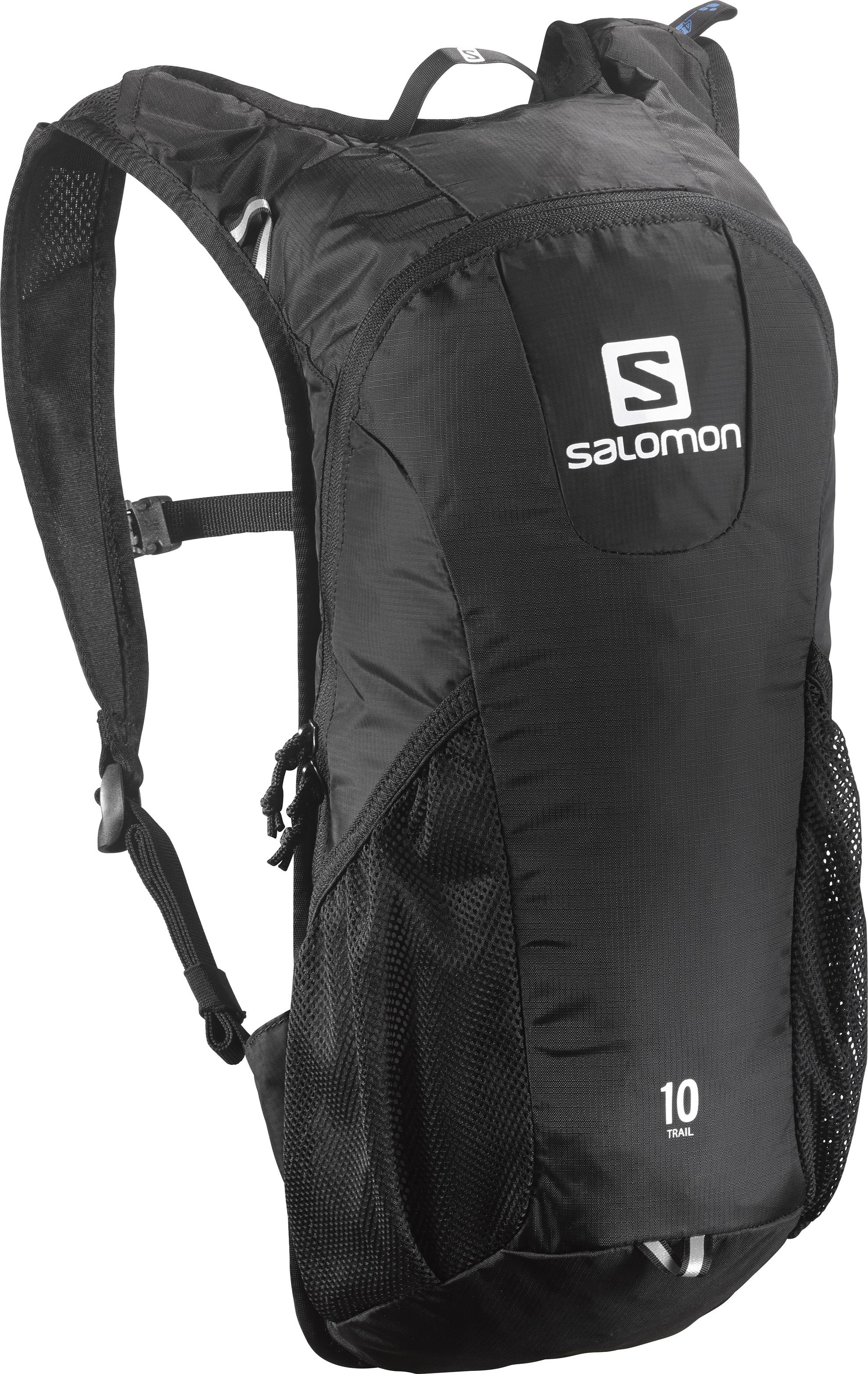 Рюкзак спортивный Salomon TRAIL 10, цвет: черный. L37997600L37997600Давно любимый бегунами рюкзак получил новый обтекаемый силуэт: Trail 10 сбалансированно распределяет нагрузку, прост в использовании, имеет удобное основное отделение и набедренные карманы на поясе. Идеально подходит для забегов средней длительности или однодневных походов по любому маршруту. Спинка Airvent AGILITY • Плечевые лямки из сетчатой ткани 3D Airmesh • Регулируемый пояс • 1 основное отделение • 2 боковых сетчатых кармана • Система дополнительной подвески • Светоотражающие элементы • Отделение для гидратора с системой фиксации
