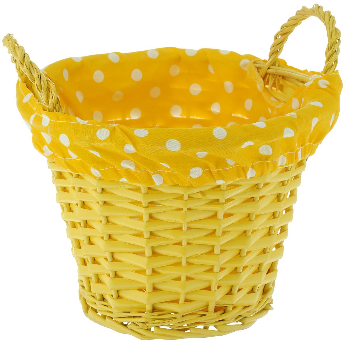 Корзина декоративная Home Queen Домашняя, цвет: желтый, 20,5 х 20,5 х 19 см66837_ желтыйДекоративная корзина Home Queen Домашняя предназначена для хранения различных мелочей. Изделие изготовлено из ивы, а внутренняя поверхность обтянута яркой подкладкой из полиэстера. Корзина оснащена двумя удобными плетеными ручками. Такая оригинальная корзина станет интересным и необычным подарком или украшением интерьера. Материал: ива, полиэстер. Размер (с учетом ручек): 20,5 х 20,5 х 19 см. Диаметр дна: 12,5 см.