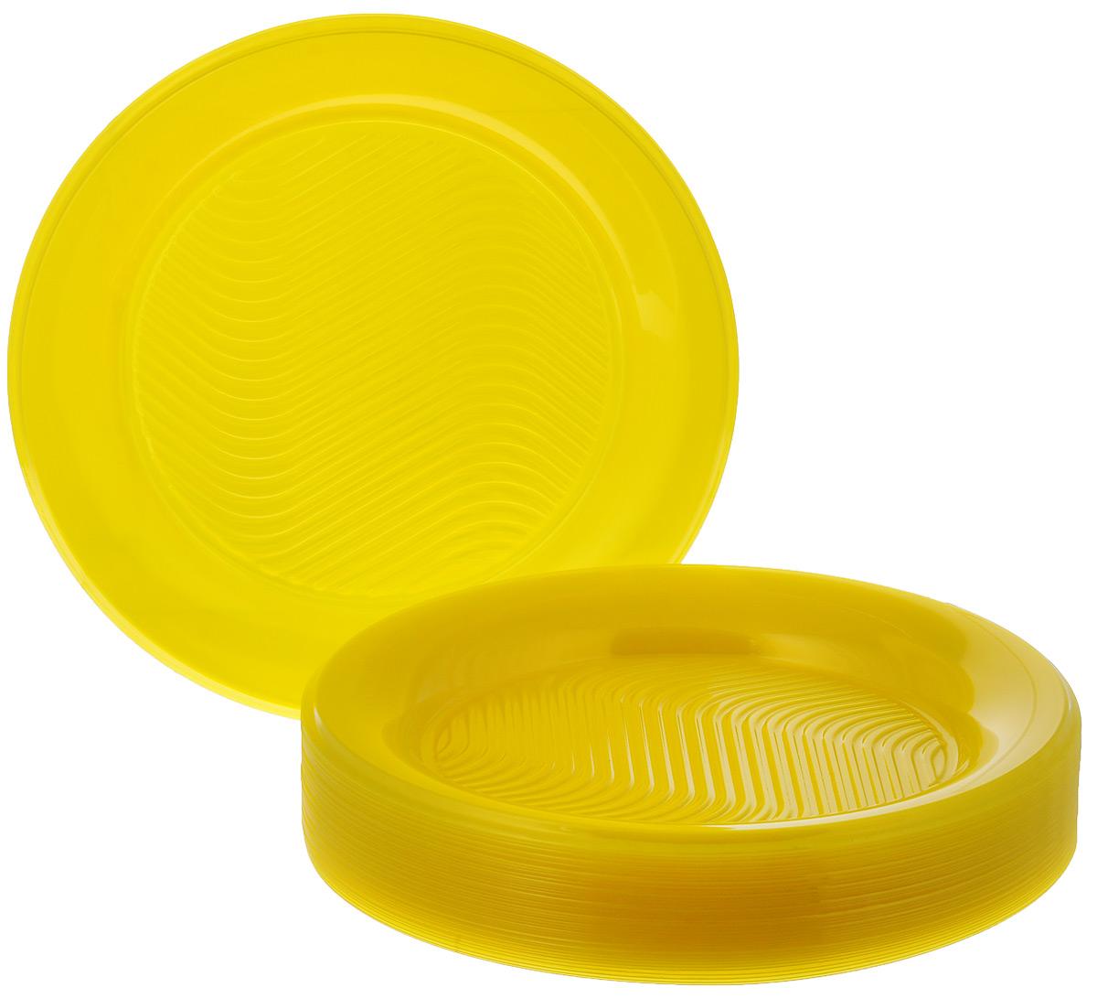 Набор одноразовых тарелок Huhtamaki Super Party, диаметр 21,5 см, 50 штПОС08724Набор Huhtamaki Super Party состоит из 50 круглых тарелок, выполненных из высококачественного пластика и предназначенных для одноразового использования. Одноразовые тарелки будут незаменимы в поездках на природу, пикниках и других мероприятиях. Они не займут много места, легки и самое главное - после использования их не надо мыть. Не использовать в микроволновой печи. Диаметр тарелки (по верхнему краю): 21,5 см. Высота тарелки: 2 см.