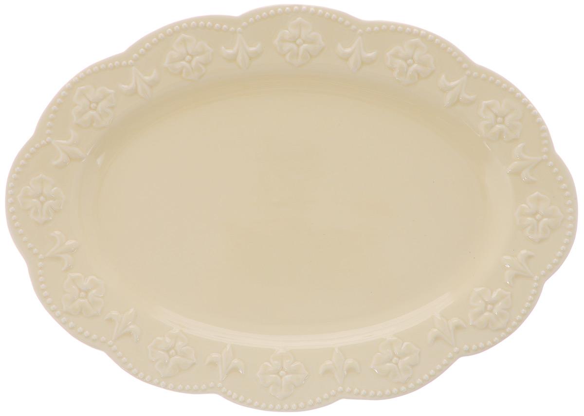 Блюдо Elan Gallery Узор, цвет: молочный, 30 х 21,5 см830070Овальное блюдо Elan Gallery Узор изготовлено из высококачественной керамики. Блюдо - необходимая вещь при застолье. Вы можете использовать его для закусок, сырной нарезки, колбасных изделий и горячих блюд. Изумительное сервировочное блюдо станет изысканным украшением вашего праздничного стола. Не рекомендуется применять абразивные моющие средства. Не использовать в микроволновой печи. Размер блюда (по верхнему краю): 30 х 21,5 см.