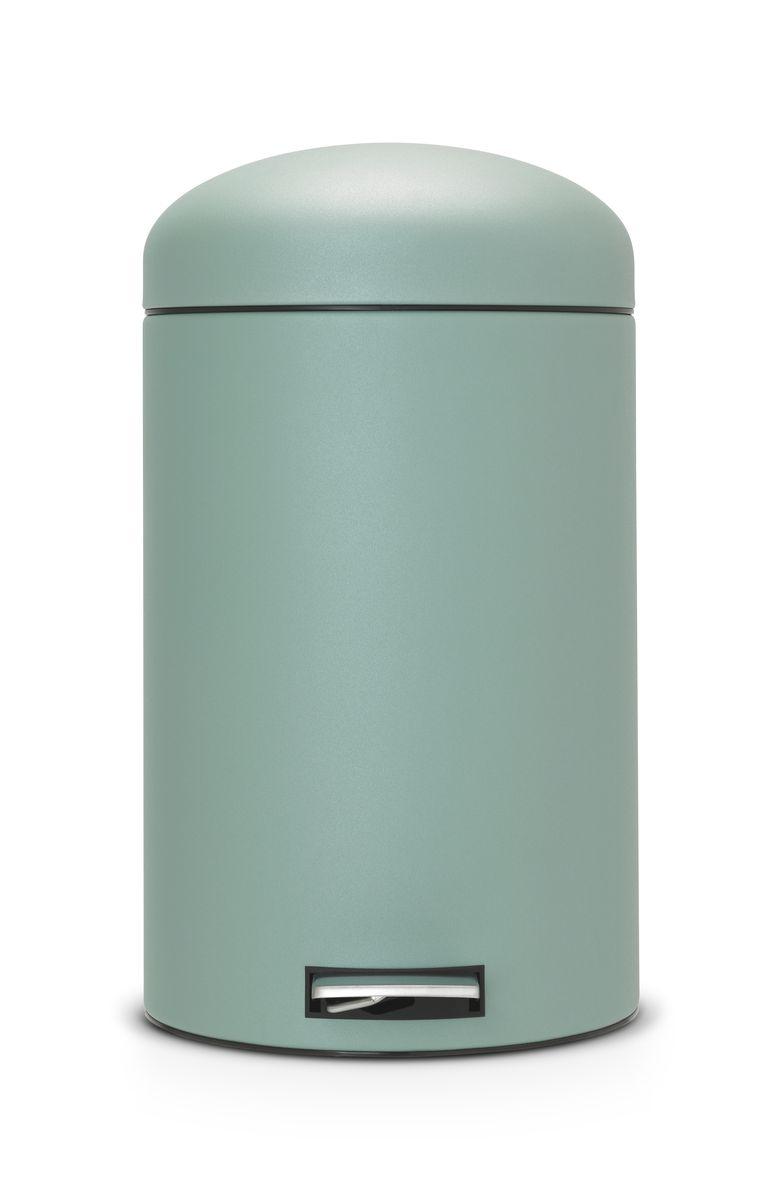 Мусорный бак Brabantia Retro, 20 л482526Популярный бак Brabantia в стиле ретро с характерной куполообразной крышкой - идеальное решение для вашей кухни или гостинной. Механизм MotionControl обеспечивает мягкое действие педали и бесшумное закрывание крышки; Мягкое действие педали и бесшумное закрывание крышки; Удобный в использовании - при открывании вручную крышка фиксируется в открытом положении, закрывается нажатием педали; Надежный педальный механизм, высококачественные коррозионно-стойкие материалы; Удобная очистка - съемное внутреннее ведро из пластика; Удобная смена мусорных мешков - во внутреннем ведре имеются специальные вентиляционные отверстия, предотвращающие; Бак удобно перемещать - прочная ручка для переноски; Отличная устойчивость даже на мокром и скользком полу – противоскользящее основание; Предохранение пола от повреждений - пластиковый защитный обод; Всегда опрятный вид – идеально подходящие по размеру мешки для мусора с завязками (размер F); 10-летняя...