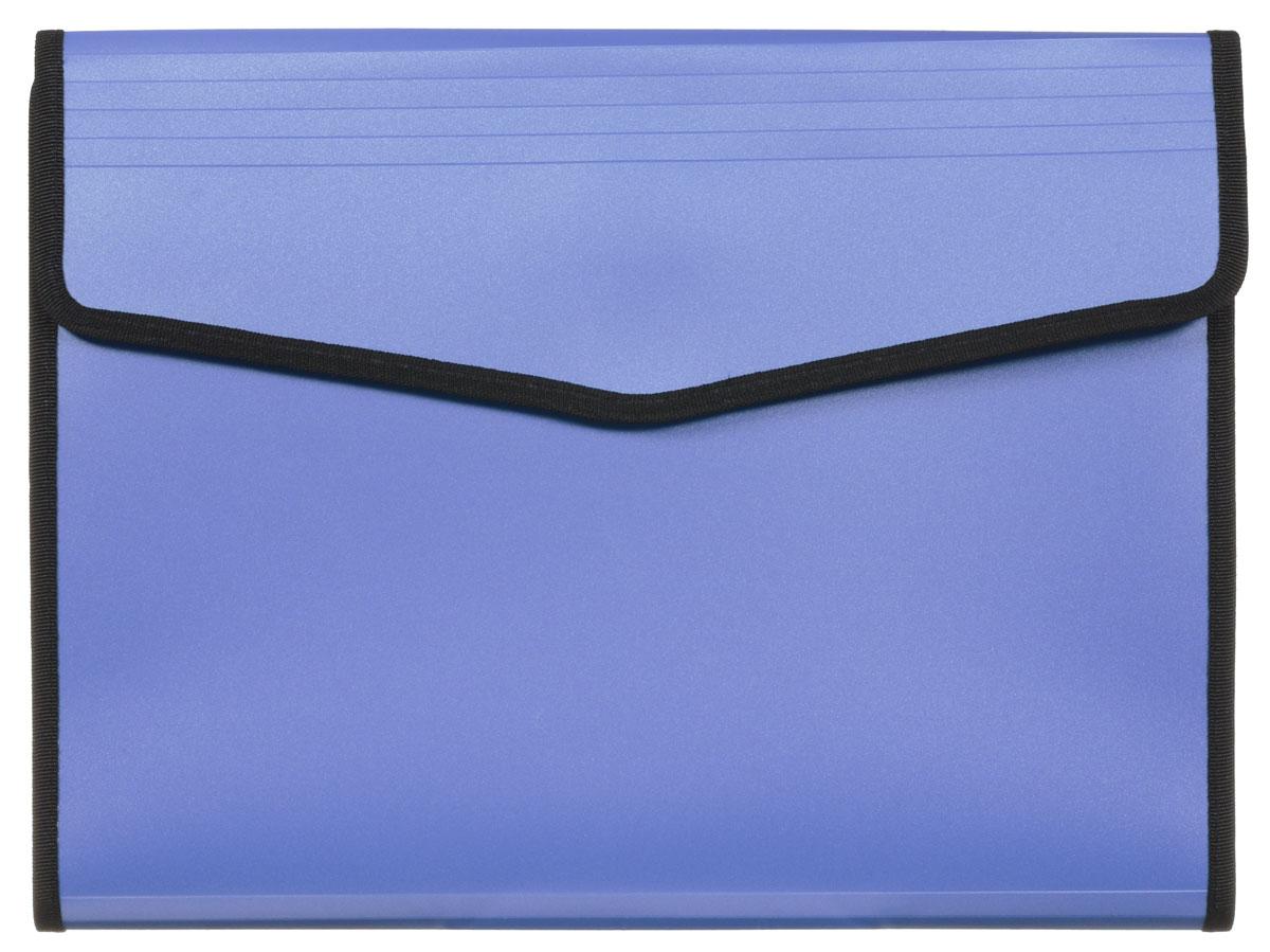 Hatber Папка-конверт Berlingo на липучке цвет синийADb_04099_синийПапка-конверт Berlingo - это удобный и многофункциональный инструмент, который идеально подойдет для хранения и транспортировки различных бумаг и документов формата А4. Папка изготовлена из прочного пластика, закрывается клапаном на липучке. Внутри на задней стенке расположен бумажный блок формата А4 в линейку. На передней внутренней стенке - вместительное отделение с 6 пластиковыми разделителями, закрывающееся клапаном на липучке, карман на застежке-молнии с сетчатым окошком, образующий еще одно небольшое отделение, 3 маленьких кармашка для мелких бумаг и канцелярских принадлежностей, два кармашка для письменных принадлежностей и один вместительный скрытый карман. Папка практична в использовании и надежно сохранит ваши документы и сбережет их от повреждений, пыли и влаги.