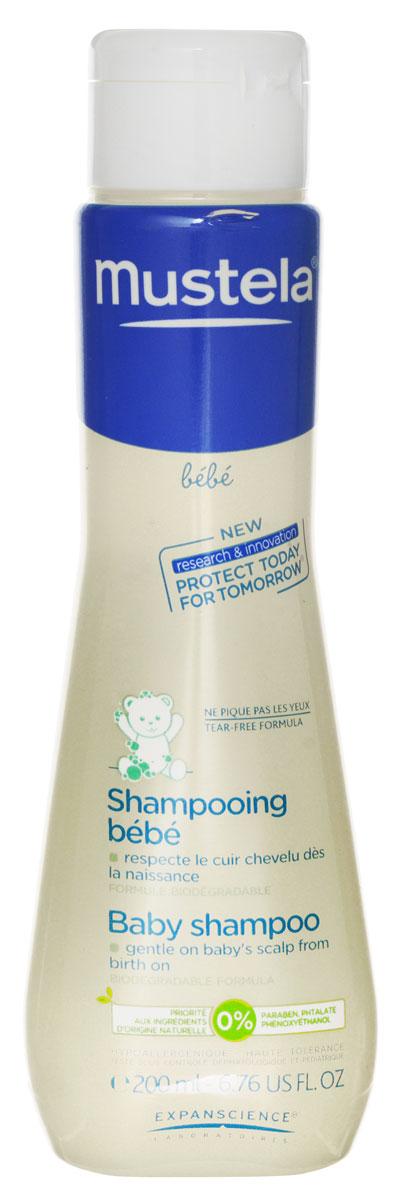 Mustela Шампунь для детей всех возрастов, 200 мл27116/030503Очищающее средство для волос для детей с рождения. Разработано для минимизации риска аллергических реакций. Благодаря формуле, обогащенной запатентованным природным компонентом Avocado Perseose, способствует поддержанию естественного баланса кожи головы. Легко смывается и способствует легкому расчесыванию волос. Не щиплет глаза. Содержит экстракт ромашки. Приоритет отдается ингредиентам природного происхождения Биоразлагаемая формула.