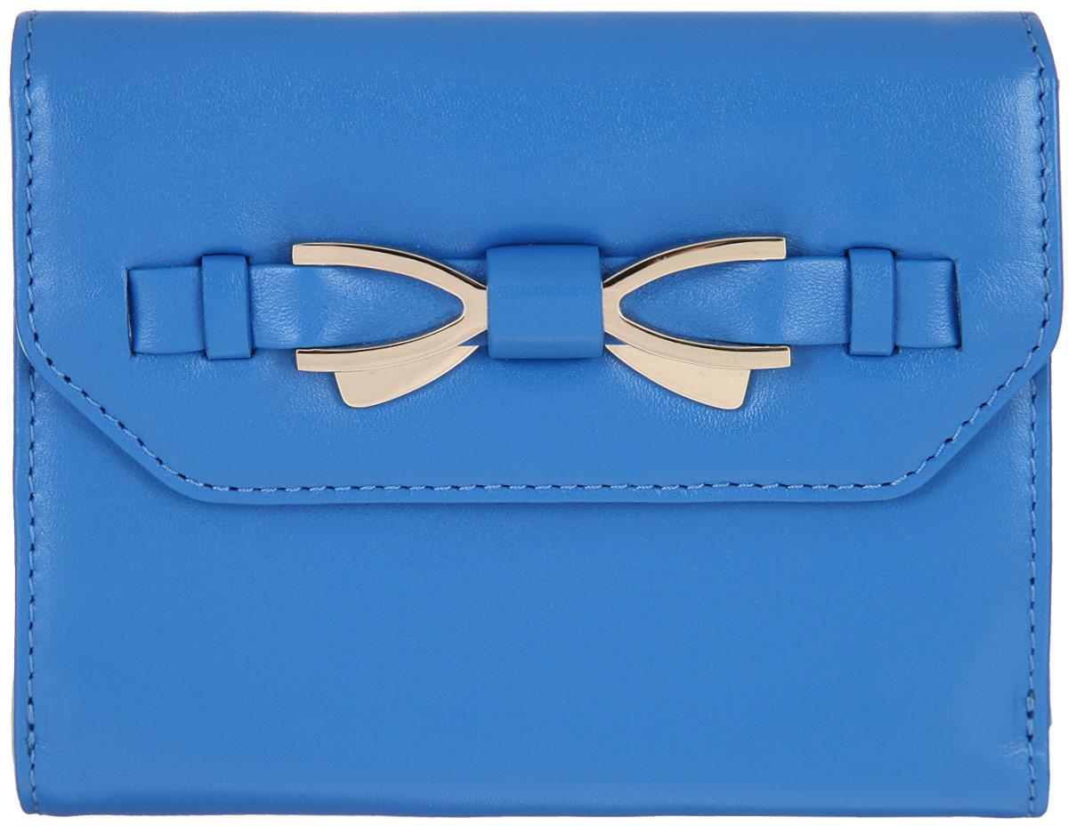 Кошелек женский Leo Ventoni, цвет: синий. L330751L330751 l.blue/l.green nappaСтильный кошелек Leo Ventoni выполнен из натуральной кожи и украшен декоративным ремешком с металлическим элементом в виде банта. Изделие содержит два отделения. Внутренняя часть изготовлена из полиэстера. Отделение для мелочи закрывается клапаном на замок-кнопку и включает в себя две секции, разделенные перегородкой. Отделение для купюр закрывается также на замок-кнопку и содержит: два отделения для купюр, четыре боковых кармана для мелочей, восемь прорезных карманов для кредитных и дисконтных карт. Изделие поставляется в фирменной коробке с логотипом бренда. Стильный кошелек Leo Ventoni станет отличным подарком для человека, ценящего качественные и практичные вещи.