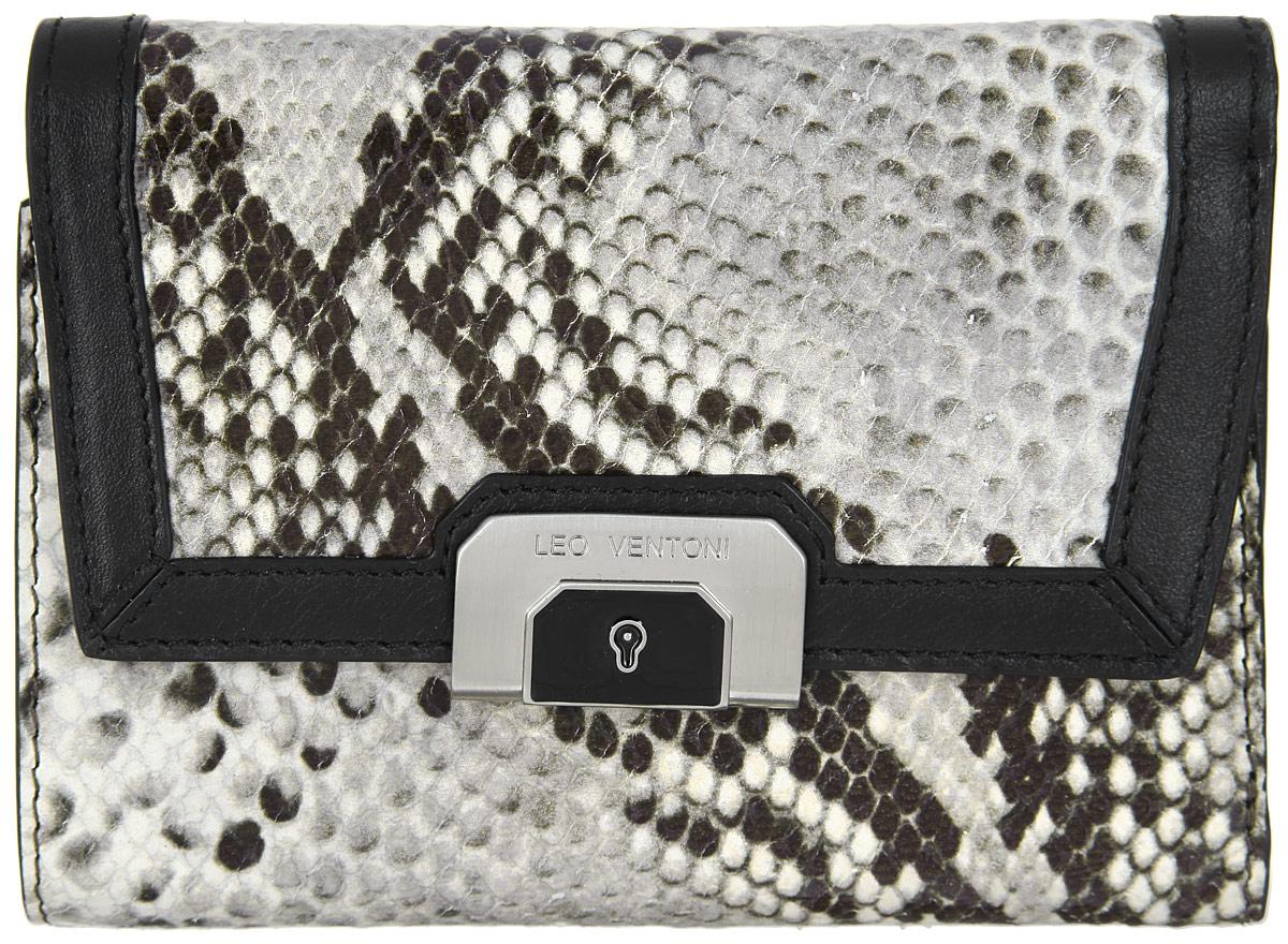 Кошелек женский Leo Ventoni, цвет: серый, бежевый, черный. L330512L330512-grey pitoneЭлегантный кошелек Leo Ventoni выполнен из натуральной кожи с тиснением рептилию. Внутренняя часть изделия из полиэстера. Кошелек раскладывается и закрывается на застежку-кнопку. Внутри - три отделения для купюр, шесть боковых карманов для кредитных и дисконтных карт, а также один карман с прозрачным пластиковым окошком. Снаружи имеется карман на металлической застежке-молнии для мелочей, который состоит из двух отсеков, разделенных перегородкой. Изделие поставляется в фирменной коробке с логотипом бренда. Стильный кошелек Leo Ventoni станет отличным подарком для человека, ценящего качественные и практичные вещи.