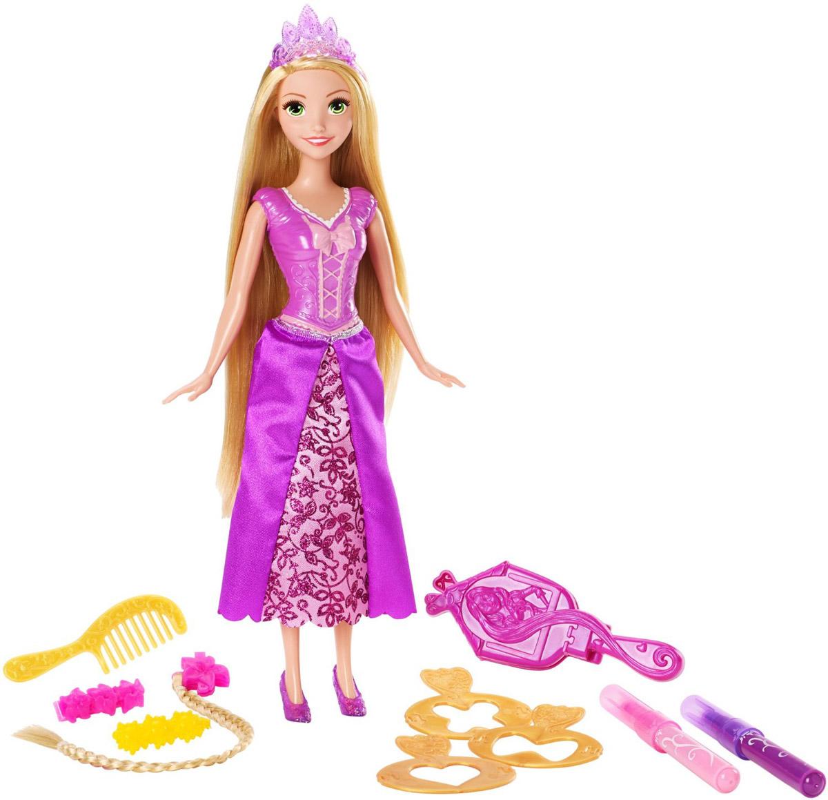 Disney Princess Кукла Рапунцель Стильные прическиCJP12_DFR35Кукла Disney Princess Рапунцель. Стильные прически собирается на торжественный прием в сказочный дворец! Рапунцель одета в свое любимое фиолетовое платье, у нее на голове красивая диадема, а на ногах легкие туфельки в цвет платья. Верхняя часть наряда Рапунцель пластиковая, а нижняя выполнена из текстиля. Благодаря многочисленным аксессуарам, входящим в комплект, девочка может самостоятельно не только придумать оригинальную прическу для Рапунцель, но и украсить шикарные волосы куклы! Украсить их очень легко. В наборе есть три трафарета с узорами, выбрав нужный узор, нужно поместить трафарет в специальный инструмент, который также может служить и в качестве зеркальца. Приложите зеркальце с трафаретом к волосам куклы и украсьте их специальным маркером розового или фиолетового цвета. Теперь можно украсить прическу разноцветными заколочками и смело отправляться на торжество! Заколками может пользоваться не только кукла, но и сама девочка. Порадуйте свою...