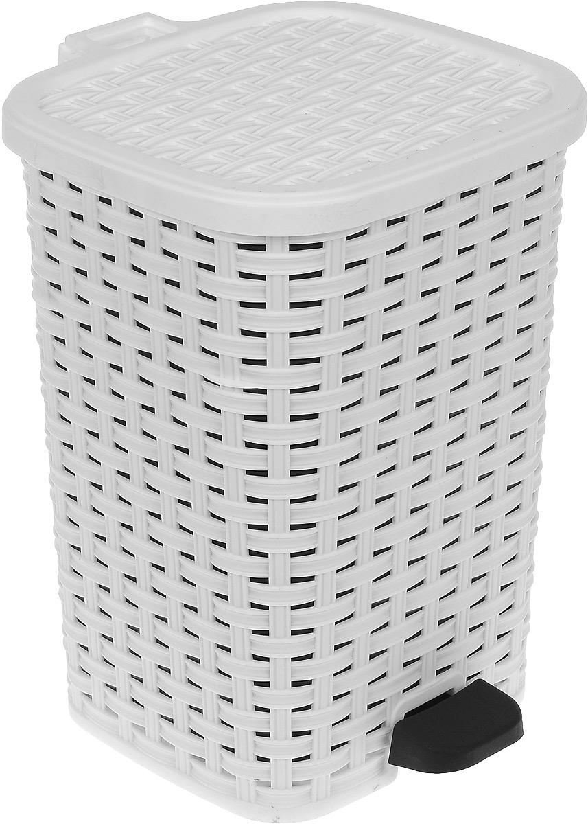 Ведро для мусора Dunya Plastik Раттан, с педалью, цвет: белый, 12 л1053_ белыйВедро для мусора Dunya Plastik Раттан, выполненное из прочного пластика, обеспечит долгий срок службы и легкую чистку. Ведро поможет вам держать мелкий мусор в порядке и предотвратит распространение неприятного запаха. Откидная пластиковая крышка открывается и закрывается при помощи педали. Изделие выполнено в виде плетеной корзины с пластиковой вынимающейся емкостью для мусора внутри. Размер ведра (по верхнему краю): 24 х 22 см. Высота (без учета крышки): 33 см. Высота (с учетом крышки): 34,5 см.
