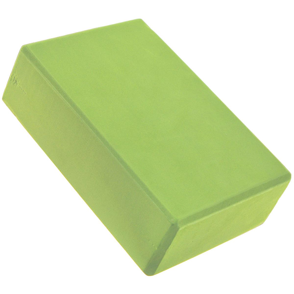Блок для йоги Ecowellness, цвет: салатовыйQB-022GNБлок для йоги Ecowellness, изготовленный из этилвинилацетата, рекомендуется как помощник при выполнении более сложных упражнений, требующих максимальной гибкости и сноровки. При использовании блока быстрее, постепенно и безболезненно достигается гибкость. Укрепляются и разрабатываются мышцы запястья. Материал: этилвинилацетат.