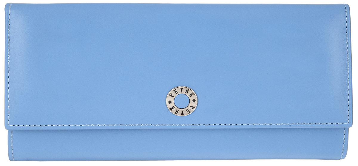 Портмоне женское Petek 1855, цвет: голубой. 301.167.74301.167.74 Violet BlueЖенское портмоне Petek 1855 изготовлено из натуральной кожи. Изделие закрывается клапаном на застежку-кнопку. Лицевая сторона оформлена металлической пластиной с гравировкой в виде названия бренда. Внутри содержится одно отделение для купюр, два боковых кармана для мелких бумаг и чеков и два кармашка с окошком из прозрачного сетчатого материала. На задней стенке расположен один открытый карман для мелочей и врезной карман на пластиковой молнии для монет. Изделие поставляется в фирменной коробке с логотипом бренда. Стильное портмоне Petek станет отличным подарком для человека, ценящего качественные и практичные вещи.