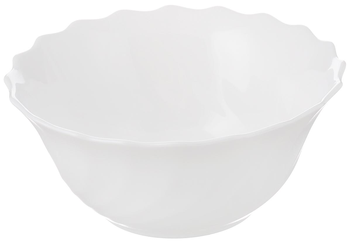 Салатник Luminarc Trianon, диаметр 12 смH4917Салатник Luminarc Trianon выполнен из ударопрочного стекла. Универсальный дизайн легко впишется в любой интерьер. Простота форм и белоснежный цвет выгодно подчеркнут изысканность ваших блюд. Салатник Luminarc Trianon идеально подойдет для сервировки стола и станет отличным подарком к любому празднику. Диаметр (по верхнему краю): 12 см.