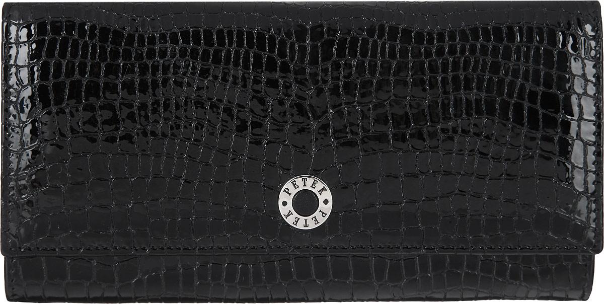 Портмоне женское Petek 1855, цвет: черный. 379.091.01379.091.01 BlackСтильное портмоне Petek 1855 выполнено из высококачественной натуральной кожи с фактурным тиснением под кожу рептилии, оформлено металлической фурнитурой с символикой бренда. Портмоне закрывается клапаном на кнопку, внутри изделия расположены отделение для купюр, три кармашка для мелочей, пять карманов для кредитных карт, один из которых дополнен сетчатой вставкой. Снаружи, на задней стороне изделия, располагаются врезной карман на молнии и накладной карман. Портмоне упаковано в коробку из плотного картона с логотипом фирмы. Это элегантное портмоне непременно подойдет к вашему образу и порадует стилем и функциональностью.