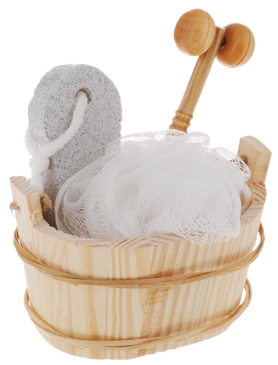 Набор для ванной и бани Феникс-Презент Морозное утро, 4 предмета40640Набор для ванной и бани Феникс-презент Морозное утро включает: - мочалка для купания из полиэтилена, - пемза для ухода за кожей, - массажный ролик из древесины павловнии, - лохань из древесины тополя. Такой мини-набор станет не заменимым и сделает банную процедуру еще более комфортной и расслабляющей. Диаметр мочалки из полиэтилена: 11 см. Размер лохани: 12,5 х 9,2 х 7,8 см. Размер пемзы: 9,5 х 4,2 х 1,5 см. Размер массажного ролика: 13 х 3,7 х 2,1 см.