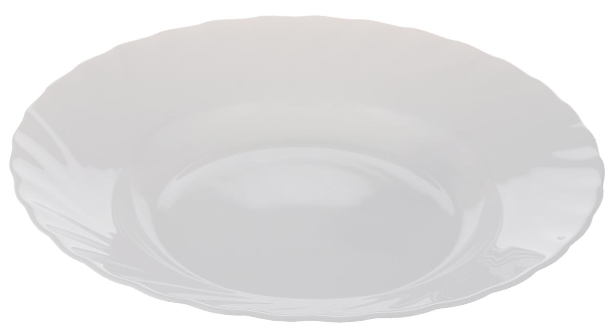 Тарелка глубокая Luminarc Trianon, диаметр 23 смH4123Глубокая тарелка Luminarc Trianon выполнена из ударопрочного стекла и имеет классическую круглую форму. Она прекрасно впишется в интерьер вашей кухни и станет достойным дополнением к кухонному инвентарю. Тарелка Luminarc Trianon подчеркнет прекрасный вкус хозяйки и станет отличным подарком. Диаметр тарелки (по верхнему краю): 23 см.