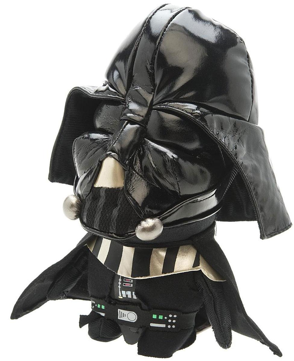 Star Wars Мягкая озвученная игрушка Дарт Вейдер 20 смSW02365Мягкая озвученная игрушка Star Wars Дарт Вейдер порадует любого поклонника знаменитой саги Звездные войны. Игрушка выполнена из высококачественного текстильного материала в виде Дарта Вейдера в его каноничном черном шлеме. При нажатии на животик игрушки, она произнесет характерные для персонажа звуки дыхания. Дарт Вейдер - главный антагонист: хитрый и жестокий руководитель армии Галактической Империи, которая правит во всей Галактике. Вейдер выступает как ученик Императора Палпатина. Он использует темную сторону Силы, чтобы предотвратить распад Империи и уничтожить Повстанческий Альянс, который стремится восстановить Галактическую Республику. Оригинальная мягкая игрушка непременно поднимет настроение своему обладателю и станет замечательным подарком любому ребенку или взрослому, увлеченному вселенной Звездных войн. Рекомендуется докупить 3 батарейки напряжением 1,5V типа LR44/AG13 (товар комплектуется демонстрационными).