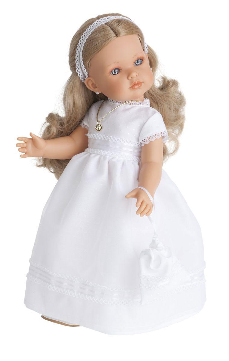 Munecas Antonio Juan Кукла Белла блондинка2801BlКукла Munecas Antonio Juan Белла блондинка очарует и взрослых, и детей. Белла выглядит как настоящая девочка, а ее трогательный внешний вид вызывает только самые положительные и добрые эмоции. У куклы очаровательное детское лицо, выполненное с тщательной прорисовкой деталей. Выразительные глаза обрамлены длинными ресницами. Ее густые шелковистые волосы легко расчесывать и делать различные прически. Кукла наряжена в великолепное длинное белое платье, волосы украшены кружевной лентой, также на кукле медальон, сережки и сумочка.