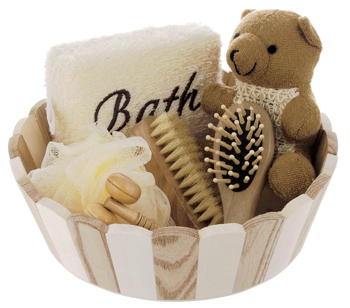 Набор для ванной и бани Феникс-презент Мишка, 7 предметов40637Набор для ванной и бани Феникс-презент Мишка включает: - массажный ролик из древесины павловнии, - мочалка для купания из сизаля, - мочалка для купания из сизаля и полиэстера, - расческа из древесины павловнии, - мочалка для купания из полиэтилена, - щетка для тела со свинцовой щетиной, - лохань из древесины тополя. Такой мини-набор пригодится в любой бане и сделает банную процедуру еще более комфортной и расслабляющей. Размер массажного ролика: 11 х 4 х 2,5 см. Диаметр мочалки: 11 см. Размер расчески: 12 х 4 х 3 см. Размер мочалки из сизаля: 10 х 7 х 14, Размер мочалка из сизаля и полиэстера: 12 х 9 х 5 см, Размер щетки со свинцовой щетиной: 10 х 4 х 3,5 см, Размер лохани: 22 х 22 х 6,5 см.