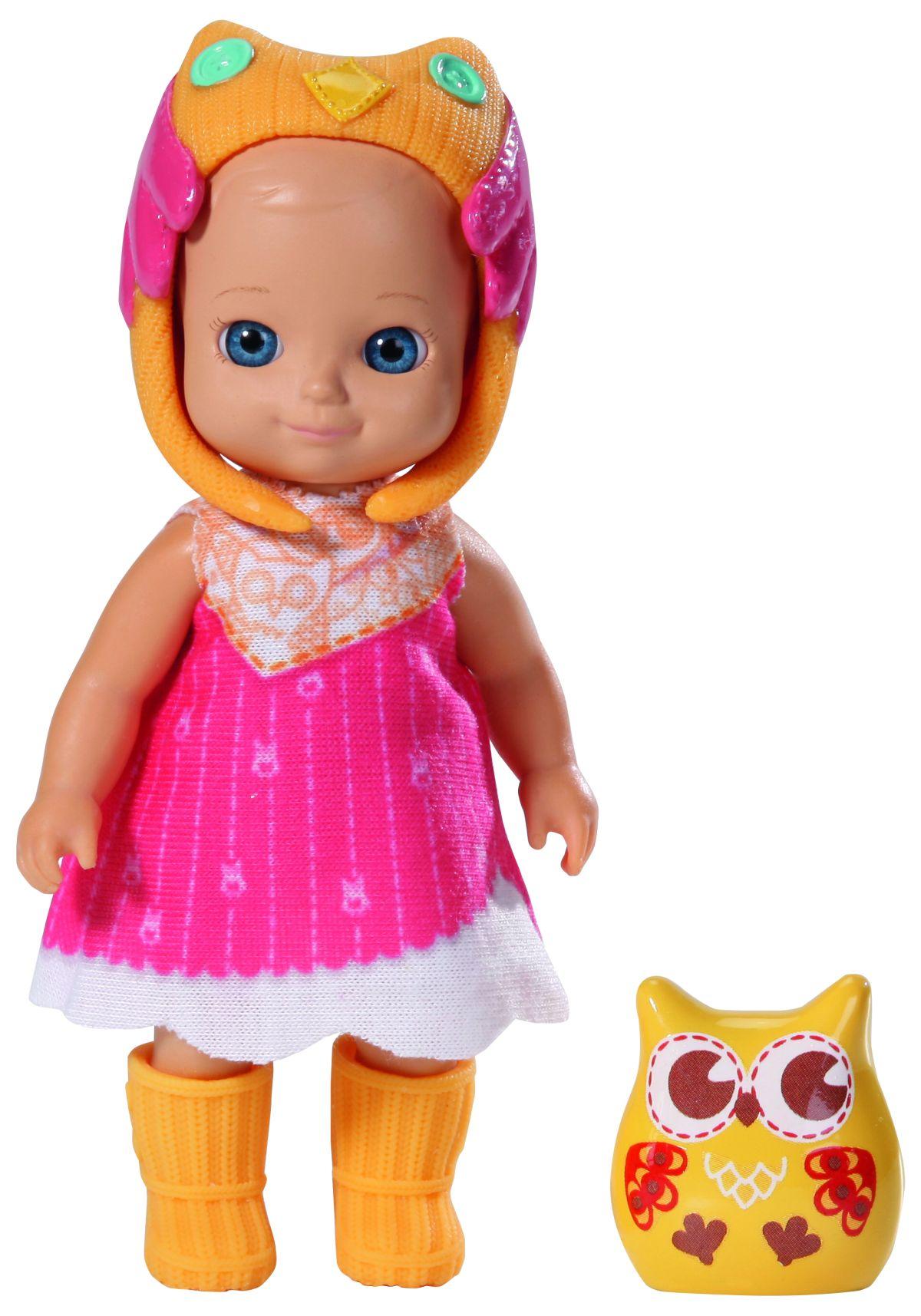 Chou Chou Мини-кукла Sunny920-060_SunnyМини-кукла Chou Chou. Sunny займет внимание вашей малышки и подарит ей множество счастливых мгновений. Кукла изготовлена из пластика, ее голова, ручки и ножки подвижны. Куколка одета в розовое платьице с белой полоской, оранжевые сапожки и шапочку в виде совы. В комплект входит очаровательный питомец-сова, которая живет с куклой в волшебном мире сновидений и сказок. Благодаря играм с куклой, ваша малышка сможет развить фантазию и любознательность, овладеть навыками общения и научиться ответственности, а дополнительные аксессуары сделают игру еще увлекательнее. Порадуйте свою маленькую принцессу таким прекрасным подарком!