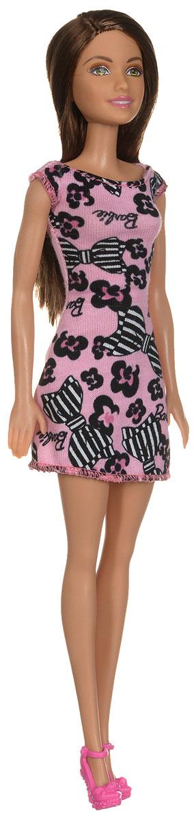 Barbie Кукла цвет платья розовый черныйT7439_DGX58Кукла Barbie - любимица девочек по всему миру - непременно приведет в восторг вашу малышку. Очаровательная Барби одета в стильное платье розово-черного цвета. На ногах у нее - модные розовые туфельки. Вашей дочурке непременно понравится расчесывать и заплетать длинные темные волосы куклы, придумывая различные прически Руки, ноги и голова куклы подвижны, благодаря чему ей можно придавать разнообразные позы. Игры с куклой способствуют эмоциональному развитию ребенка, а также помогают формировать воображение и художественный вкус. Малышка проведет множество счастливых часов, играя с красавицей Барби.