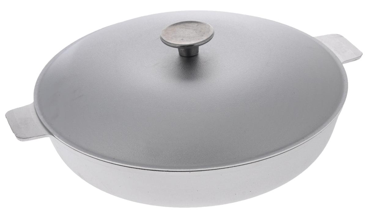 Сковорода Биол с крышкой. Диаметр 30 смА301Сковорода Биол изготовлена из литого алюминия. Изделие оснащено плотно прилегающей крышкой, позволяющей сохранить аромат готовящегося блюда. Сковорода снабжена двумя эргономичными ручками и имеет рельефное дно. Нельзя оставлять приготовленную пищу в посуде для хранения. Сковороду можно использовать на всех типах плит, кроме индукционных. Рекомендовано мыть вручную. Высота стенки: 6,2 см. Диаметр (по верхнему краю): 30 см. Ширина (с учетом ручек): 36,2 см.