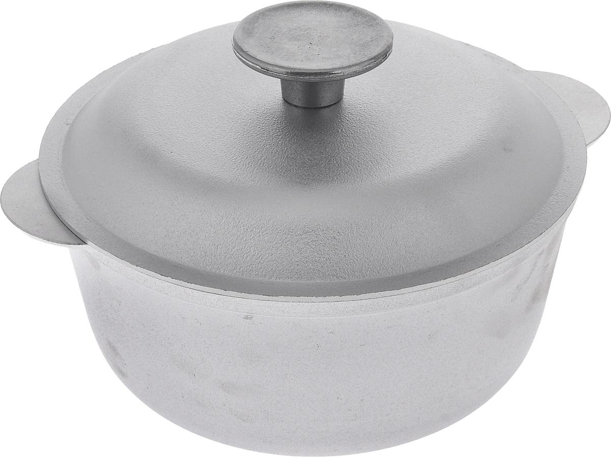 Кастрюля Биол с крышкой, 1,5 лК0150Кастрюля Биол изготовлена из литого алюминия. Посуда равномерно и быстро нагревается, позволяя существенно сократить время приготовления пищи. Изделие оснащено плотно прилегающей крышкой, позволяющей сохранить аромат готовящегося блюда. Кастрюля снабжена эргономичными ручками. Нельзя оставлять приготовленную пищу в посуде для хранения. Подходит для газовых, электрических и стеклокерамических типов плит, кроме индукционных. Рекомендовано мыть вручную. Диаметр по верхнему краю: 18 см. Ширина (с учетом ручек): 21 см. Высота стенки: 8,3 см. Толщина стенки: 3 м. Толщина дна: 3 мм. Диаметр основания: 13 см.
