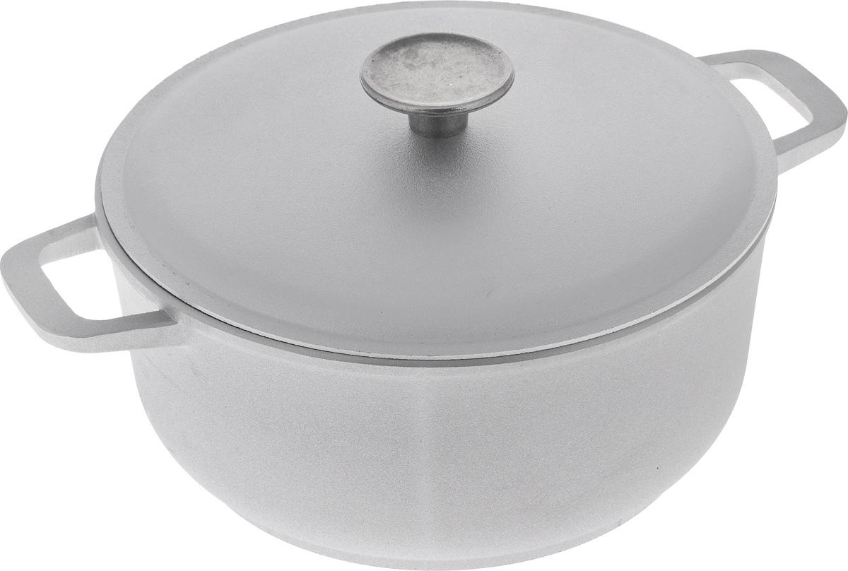 Кастрюля Биол с крышкой, 3 л. К301К301Кастрюля Биол изготовлена из литого алюминия с утолщенным дном. Посуда равномерно и быстро нагревается, позволяя существенно сократить время приготовления пищи. Изделие оснащено плотно прилегающей крышкой, позволяющей сохранить аромат готовящегося блюда. Кастрюля снабжена эргономичными ручками. Нельзя оставлять приготовленную пищу в посуде для хранения. Подходит для газовых, электрических и стеклокерамических типов плит, кроме индукционных. Рекомендовано мыть вручную. Высота стенки: 10,5 см. Ширина кастрюли (с учетом ручек): 30,5 см. Диаметр кастрюли (по верхнему краю): 23 см. Толщина стенки: 4 мм. Толщина дна: 5 мм.