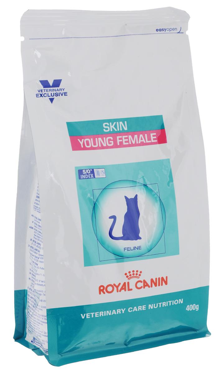 Корм сухой Royal Canin Young Female Skin для стерилизованных кошек с момента операции до 7 лет, 400 г22263Royal Canin Young Female Skin - полнорационный сухой корм для стерилизованных кошек до 7 лет с повышенной чувствительностью кожи и шерсти. Разбавление мочи: - увеличение объема мочи одновременно снижает содержание в ней минеральных веществ, из которых формируются струвитные и оксалатные кристаллы. Таким образом, создаются условия, неблагоприятные для образования камней в мочевыводящих путях. Барьерная функция кожи: - комплекс, состоящий из ниацина, инозита, холина, гистидина и пантотеновой кислоты, уменьшает потерю жидкости через кожу и усиливает ее барьерную функцию. S/O Index : Знак S/O Index на упаковке означает, что диета предназначена для создания в мочевыделительной системе среды, неблагоприятной для образования кристаллов оксалата кальция. Состав: дегидратированные белки животного происхождения (птица), кукуруза, пшеничная клейковина, кукурузная клейковина, рис, животные жиры, гидролизат, белков животного...