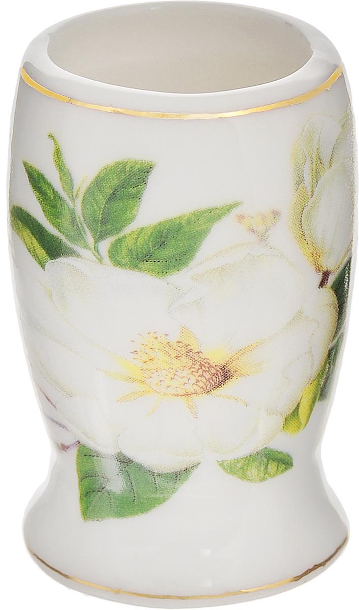 Вазочка под зубочистки Elan Gallery Белый шиповник, высота 5 см740178Изящная вазочка под зубочистки Elan Gallery Белый шиповник, выполненная из высококачественной керамики, декорирована цветочным рисунком. Такая вазочка украсит ваш стол и подойдет в качестве подарка для близких людей. Диаметр вазочки (по верхнему краю): 2,5 см. Высота: 5 см.