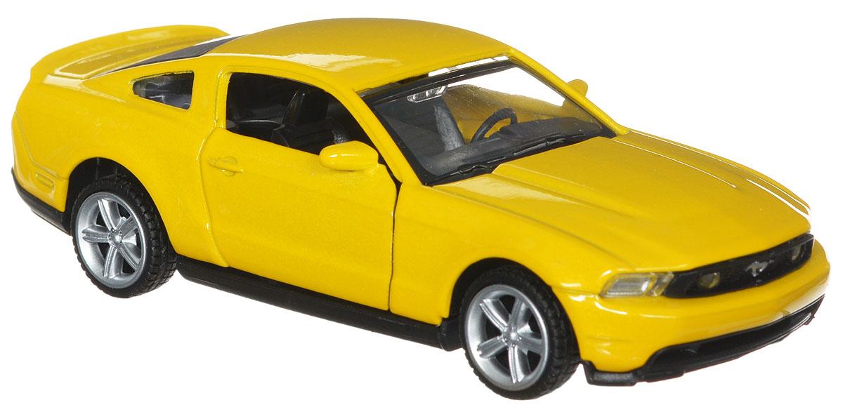 ТехноПарк Модель автомобиля Ford Mustang GT цвет желтый67310_желтыйМодель автомобиля ТехноПарк Ford Mustang GT привлечет к себе внимание не только детей, но и взрослых. Модель представлена в масштабе 1:43 и в точности воспроизводит все детали внешнего облика реального автомобиля. Корпус автомобиля выполнен из металла с использованием пластиковых элементов, колеса прорезинены. Модель оборудована открывающимися дверцами и инерционным механизмом. Машинку необходимо отвести назад, затем отпустить - и она быстро поедет вперед. Во время игры с такой машинкой у ребенка развивается мелкая моторика рук, фантазия и воображение.