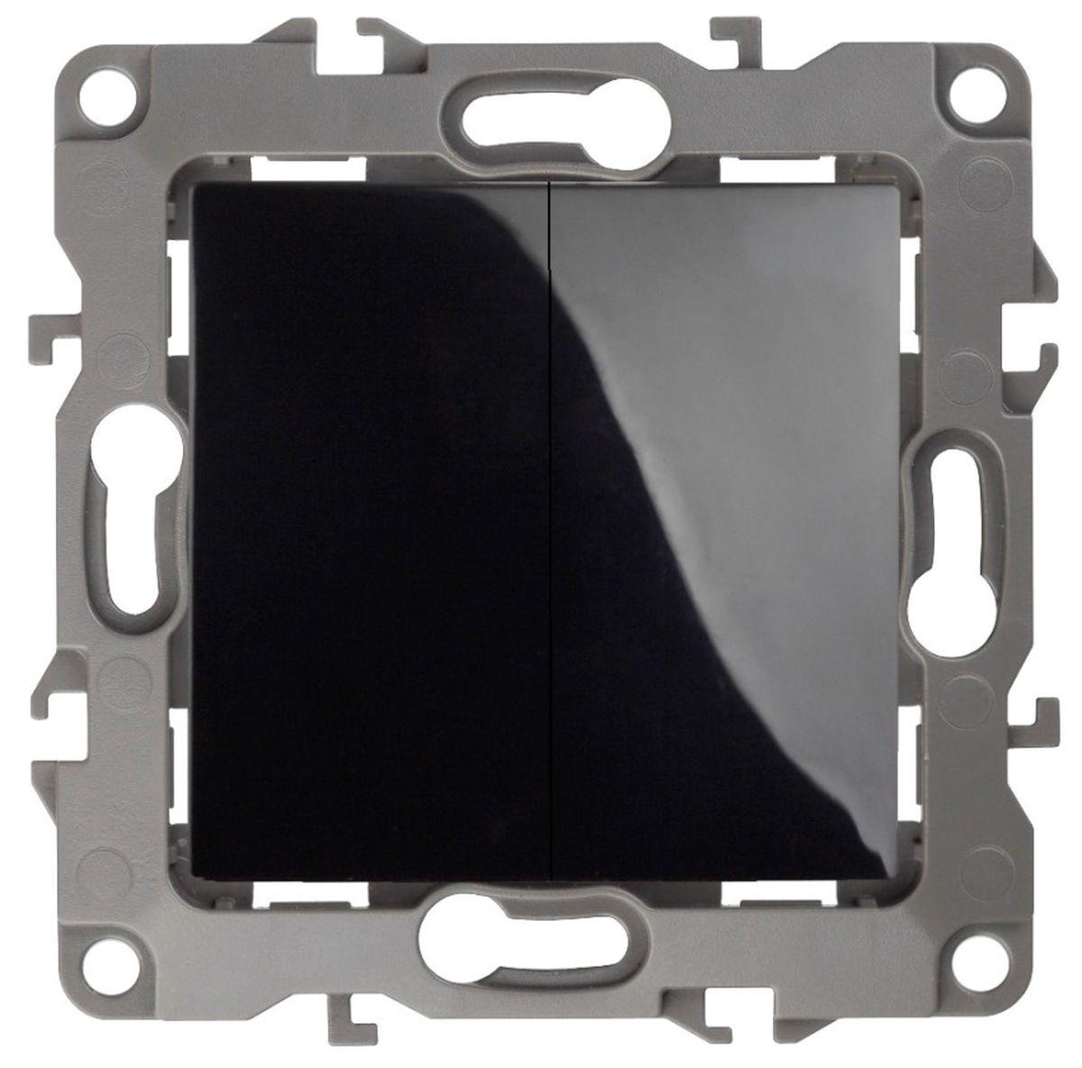 Выключатель ЭРА, двойной, цвет: черный, серый. 12-100412-1004-06Двойной выключатель ЭРА выполнен из прочного пластика, контакты бронзовые. Изделие просто в установке, надежно в эксплуатации. Выключатель имеет специальные фиксаторы, которые не дают ему смещаться как при монтаже, так и в процессе эксплуатации. Автоматические зажимы кабеля обеспечивают быстрый и надежный монтаж изделия к электросети без отвертки и не требуют обслуживания в отличие от винтовых зажимов. УВАЖАЕМЫЕ КЛИЕНТЫ! Обращаем ваше внимание на тот факт, что монтажные лапки в комплект не входят.