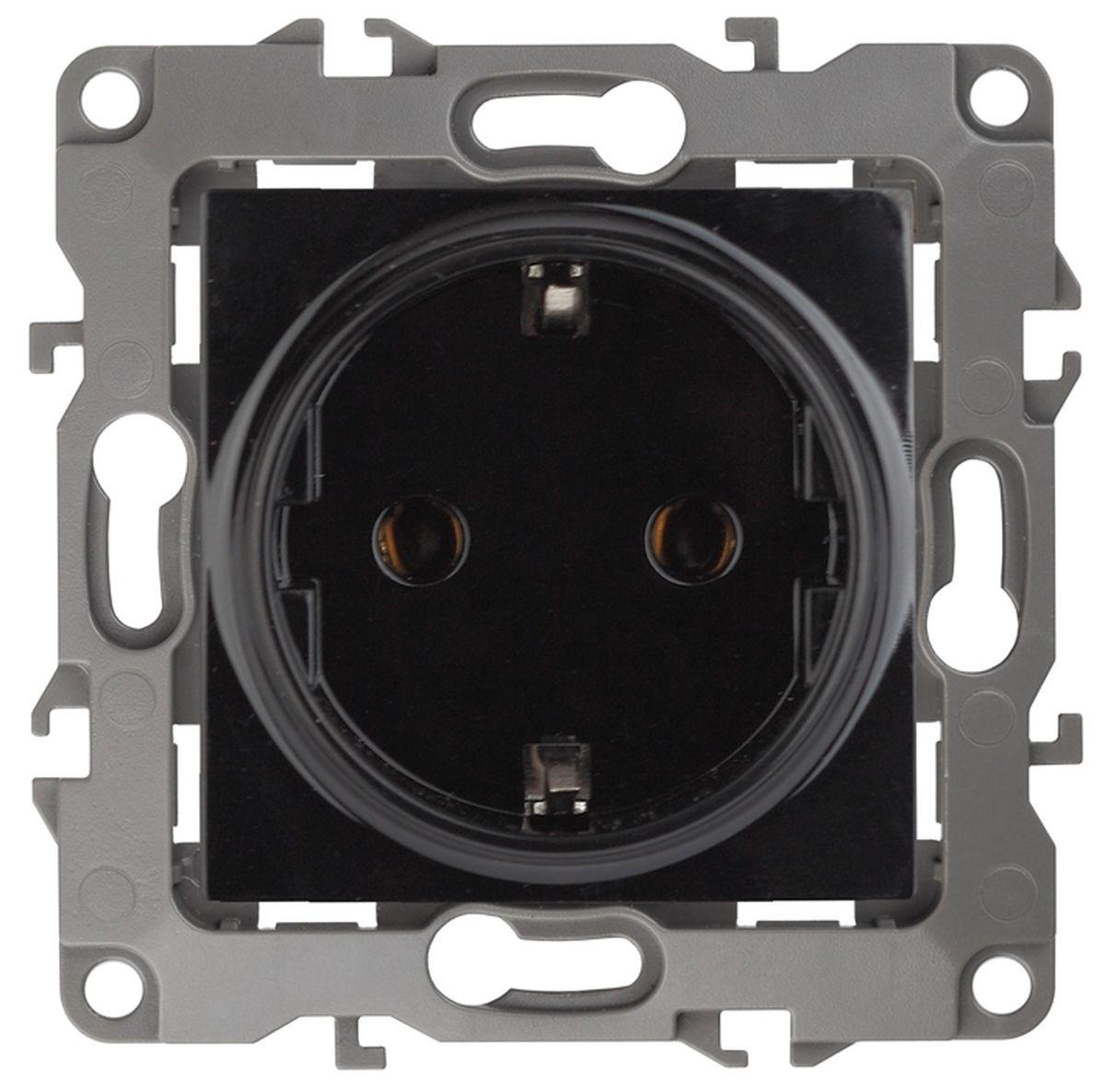 Розетка одинарная Эра, цвет: черный. 12-2001-0612-2001-06Одинарная розетка Эра с заземлением, скрытой установки, без металлических лапок, имеет бронзовые контакты и фиксаторы модулей.