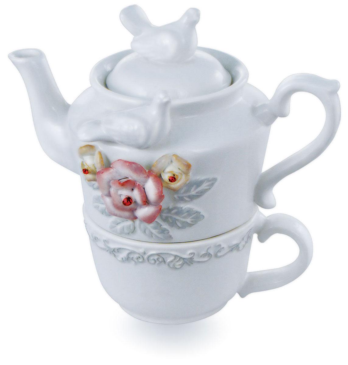 Teabreeze Земляника со сливками подарочный чайный набор с чашкой и чайником, 100 г4620009893722Подарочный набор Teabreeze состоит из чашки, чайника и чая Земляника со сливками. Чай Земляника со сливками - это отличный чайный микс, обладающий незабываемым вкусом лета. Смесь черного байхового чая с листьями и плодами земляники рождает непередаваемые ощущения свежести лесной ягоды в сочетании с мягким и сладким вкусом сливок. Эта великолепная вкусовая консистенция оставляет на языке стойкое и очень приятное послевкусие, напоминающее подогретый солнцем летний лес. Напиток, который получается из ароматной смеси Земляника со сливками приятно бодрит и освежает.
