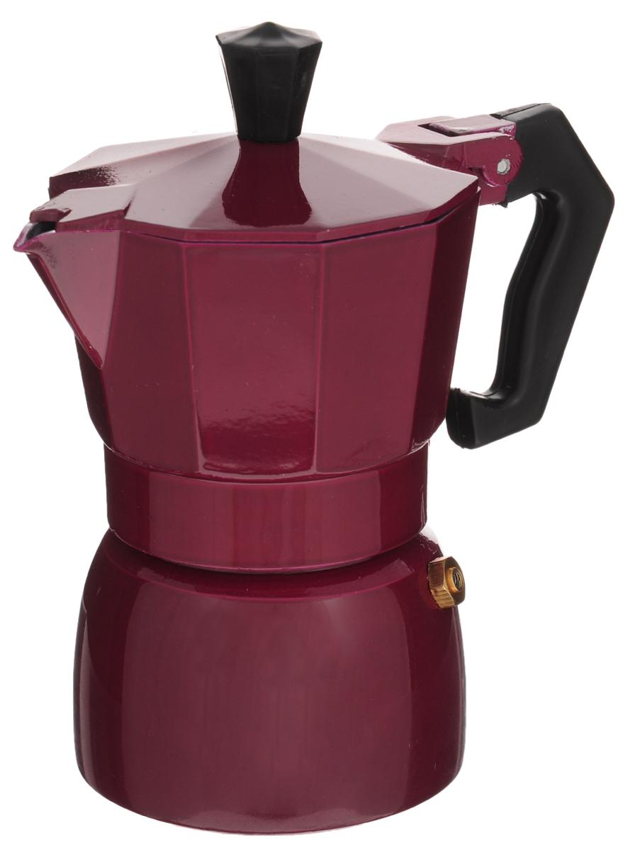 Эспрессо-кофеварка гейзерного типа Calve, на 2 порции. CL-1594CL-1594_бордовыйЭспрессо-кофеварка гейзерного типа Calve изготовлена из алюминия и оснащена жаропрочной бакелитовой ручкой. Основной принцип работы гейзерной кофеварки состоит в том, что кофе заваривается путем прохождения горячей воды или пара через слой молотого кофе. В нижний отсек заливается вода до необходимого уровня, в средний отсек-фильтр засыпается молотый кофе (лучше выбирать кофе более крупного помола, так как кофе слишком мелкого помола может забить фильтр кофеварки), все части тщательно закрываются, кофеварка ставится на плиту и через пять минут ароматный кофе готов. В гейзерной кофеварке можно заваривать чаи и различные травяные сборы. Можно мыть в посудомоечной машине. Диаметр (по верхнему краю): 7,5 см. Высота кофеварки: 14,5 см.