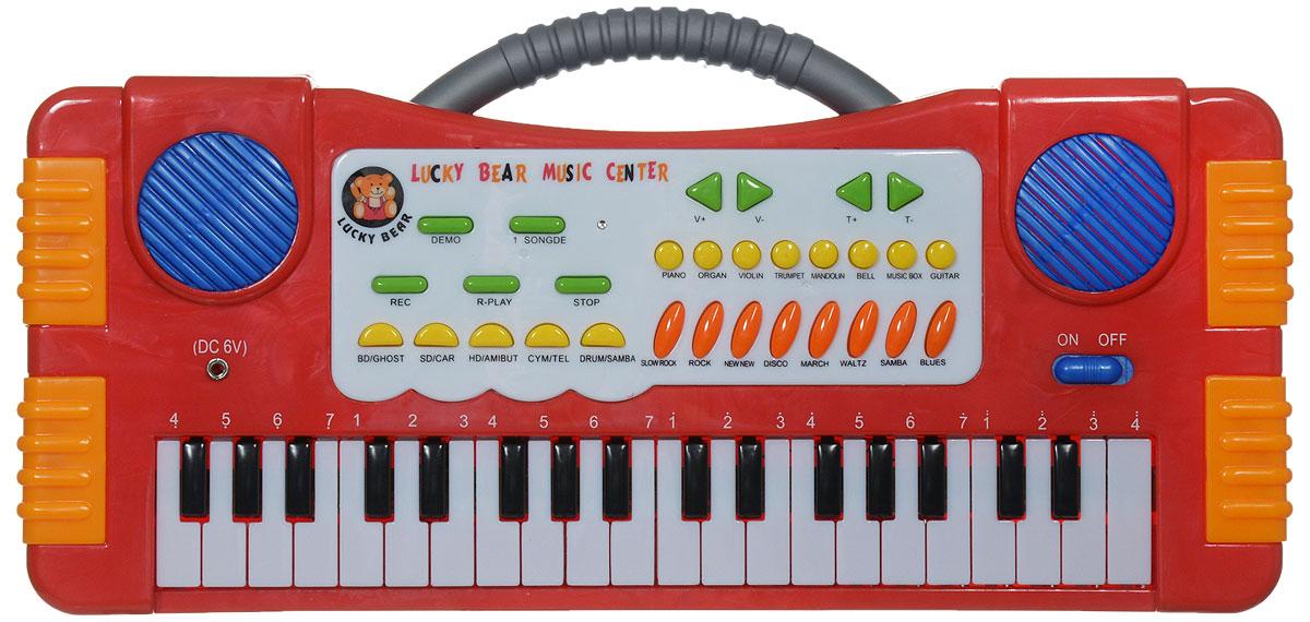 ABtoys Синтезатор DoReMi 37 клавиш цвет красныйD-00019(SD955)Синтезатор ABtoys DoReMi обязательно привлечет внимание малыша и доставит ему много удовольствия от часов, посвященных игре с ним. Синтезатор имеет 37 электронных клавиш и множество кнопок, позволяющих добавлять различные звуковые эффекты. Например, при составлении мелодий - менять темп и ритм музыки. При пользовании синтезатором доступно: 8 звуков музыкальных инструментов, 8 темпов ритма, 4 звука электронной барабанной установки, 5 демонстрационных песен, запись и воспроизведение, контроль громкости. С помощью этого синтезатора ребенок сможет развить свои музыкальные способности и дать возможность друзьям и близким насладиться великолепным концертом. Порадуйте своего ребенка таким замечательным подарком! Для работы игрушки необходимо купить 4 батарейки напряжением 1,5V типа АА (не входят в комплект).