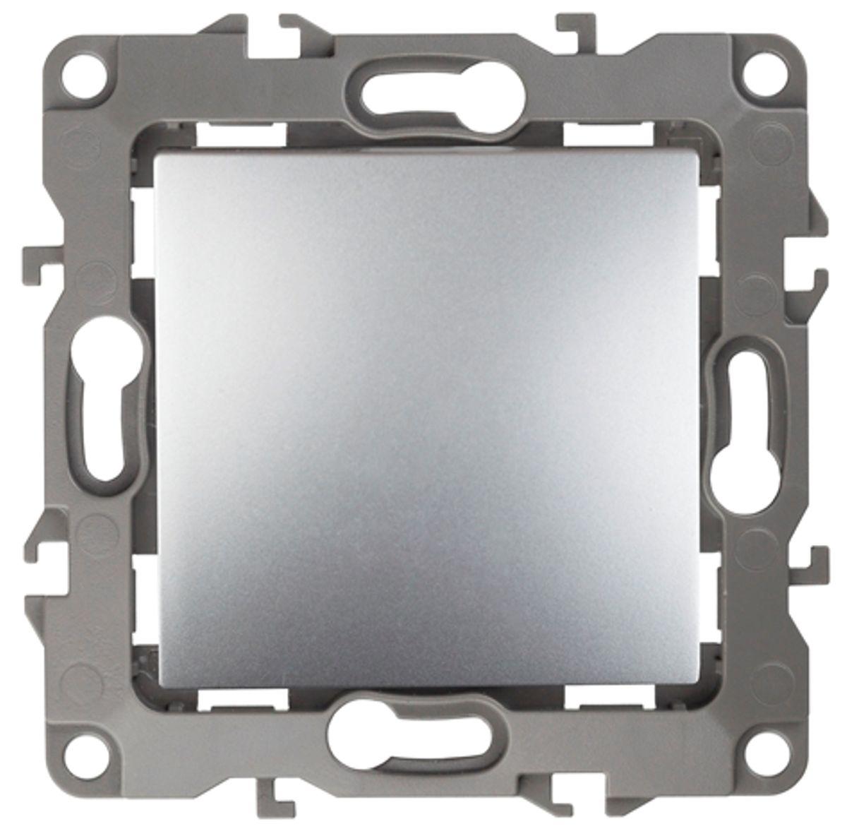 Выключатель ЭРА, цвет: серый. 12-100112-1001-03Выключатель ЭРА выполнен из прочного пластика, контакты бронзовые. Изделие просто в установке, надежно в эксплуатации. Выключатель имеет специальные фиксаторы, которые не дают ему смещаться как при монтаже, так и в процессе эксплуатации. Автоматические зажимы кабеля обеспечивают быстрый и надежный монтаж изделия к электросети без отвертки и не требуют обслуживания в отличие от винтовых зажимов. УВАЖАЕМЫЕ КЛИЕНТЫ! Обращаем ваше внимание на тот факт, что монтажные лапки в комплект не входят.