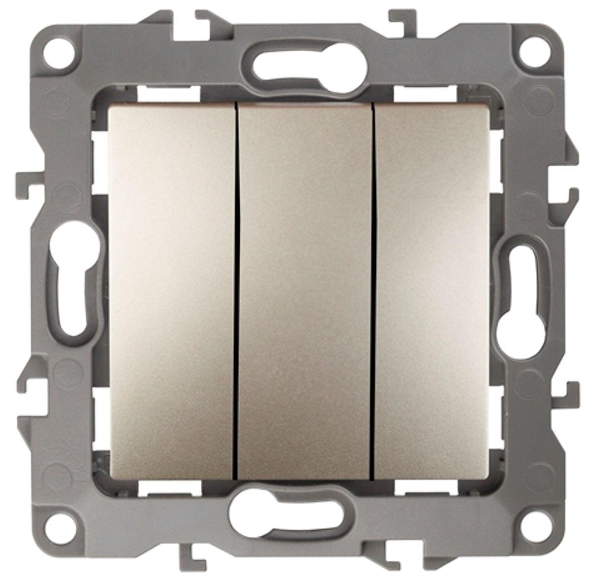 Выключатель ЭРА, тройной, цвет: шампань, серый. 12-110712-1107-04Тройной выключатель ЭРА выполнен из прочного пластика, контакты бронзовые. Изделие просто в установке, надежно в эксплуатации. Выключатель имеет специальные фиксаторы, которые не дают ему смещаться как при монтаже, так и в процессе эксплуатации. Автоматические зажимы кабеля обеспечивают быстрый и надежный монтаж изделия к электросети без отвертки и не требуют обслуживания в отличие от винтовых зажимов.