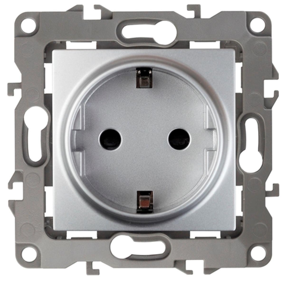 Розетка одинарная Эра, со шторками, цвет: алюминий. 12-2102-0312-2102-03Одинарная розетка Эра с заземлением, скрытой установки, со шторками, имеет бронзовые контакты и фиксаторы модулей. Автоматические зажимы кабеля обеспечивают быстрый и надежный монтаж изделия к электросети без отвертки и не требуют обслуживания в отличие от винтовых зажимов.