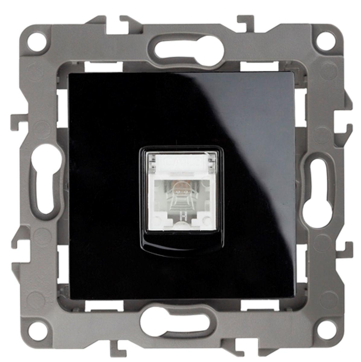 Розетка телефонная Эра, цвет: черный12-3105-06Телефонная розетка Эра скрытой установки, изготовленная из поликарбоната, имеет бронзовые контакты и фиксаторы модулей. Она предназначена для установки в телекоммуникационных сетях и служит для подсоединения внешних устройств (телефон, факс и прочее). Автоматические зажимы кабеля обеспечивают быстрый и надежный монтаж изделия к электросети без отвертки и не требуют обслуживания в отличие от винтовых зажимов.