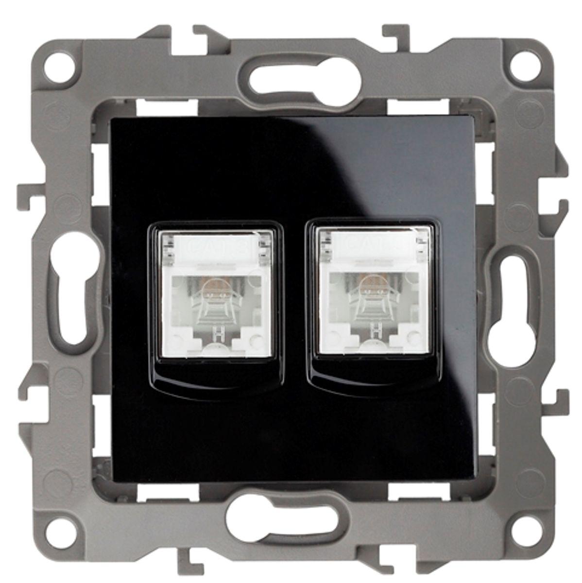 Розетка телефонная Эра, двойная, цвет: черный12-3106-06Двойная телефонная розетка Эра скрытой установки, категории 3, имеет бронзовые контакты, фиксаторы модулей и защитные прозрачные крышки. Предназначена для установки в телекоммуникационных сетях и служит для подсоединения внешних устройств (телефон, факс и прочее). Автоматические зажимы кабеля обеспечивают быстрый и надежный монтаж изделия к электросети без отвертки и не требуют обслуживания в отличие от винтовых зажимов.