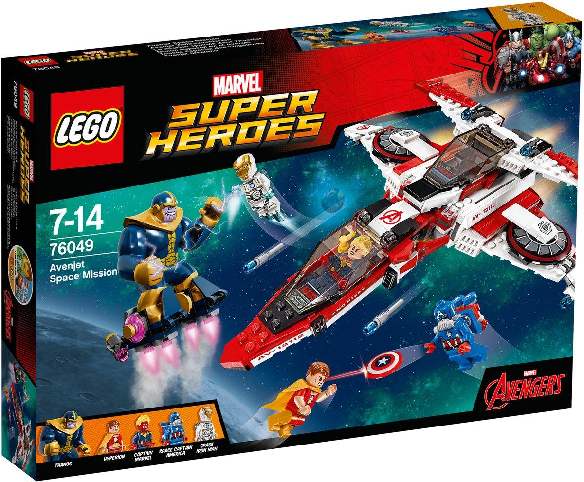 LEGO Super Heroes Конструктор Реактивный самолет Мстителей Космическая миссия 7604976049Могучий Танос и Гиперион готовятся напасть на Землю! Помоги Железному человеку, Капитану Марвелу и Капитану Америка остановить их с помощью суперскоростного реактивного самолёта Мстителей. Атакуй манёвренными ракетами, затем выпускай мини-самолет и стреляй из его шутеров. Смогут ли супергерои спасти планету? Конструктор LEGO Super Heroes Реактивный самолет Мстителей: Космическая миссия включает в себя 523 разноцветных пластиковых элемента с четырьмя фигурками. Конструктор - это один из самых увлекательных и веселых способов времяпрепровождения. Ребенок сможет часами играть с конструктором, придумывая различные ситуации и истории.