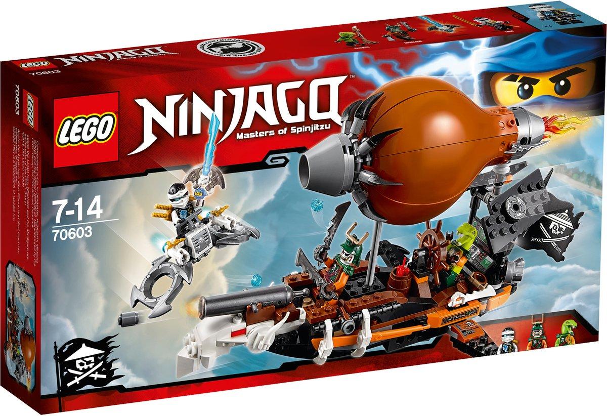 LEGO NINJAGO Конструктор Дирижабль-штурмовик 7060370603Уклоняйся от выстрелов из мощных пушек дирижабля и динамита, сброшенного через люк. Стреляй из ледовых шутеров флайера и поднимайся на дирижабль. Встреться лицом к лицу с Дублоном и Кланси, чтобы захватить Джинн-клинок и освободить своего друга-ниндзя Джея! Конструктор LEGO NINJAGO Дирижабль-штурмовик включает в себя 294 разноцветных пластиковых элемента с тремя фигурками. Конструктор - это один из самых увлекательных и веселых способов времяпрепровождения. Ребенок сможет часами играть с конструктором, придумывая различные ситуации и истории.