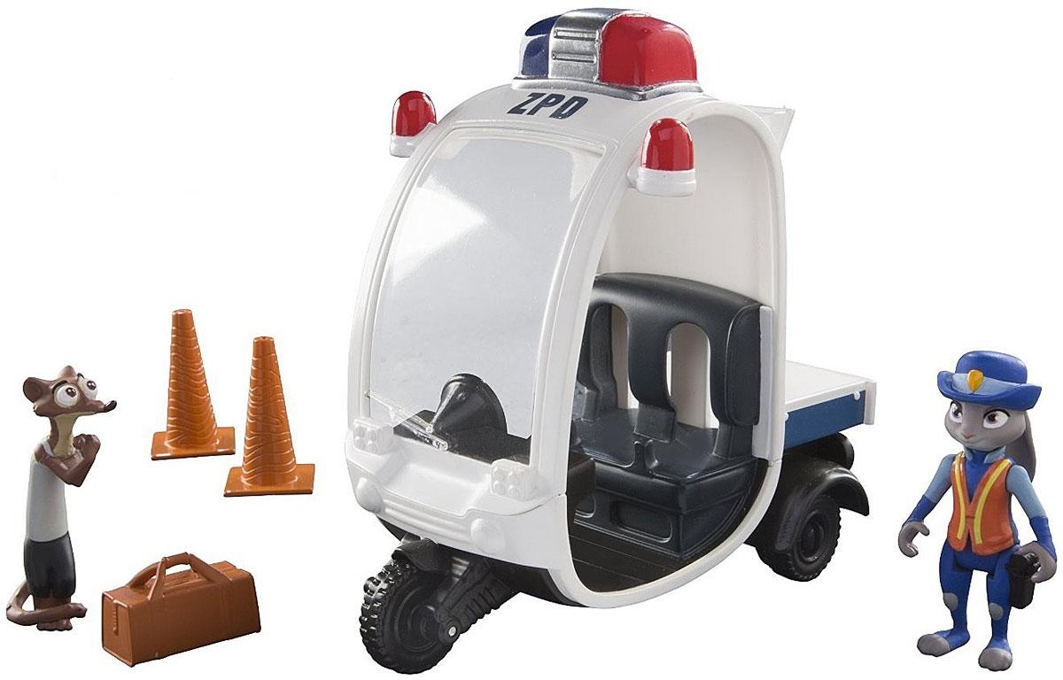 Zootropolis Набор фигурок Полицейская машинаL70902_L70021Игровой набор Zootropolis. Полицейская машина станет воплощением мечты всех поклонников мультфильма Zootropolis. Зверополис - современный город, населенный самыми разными животными, от огромных слонов до крошечных мышек. Набор выполнен из безопасного пластика и включает полицейскую машинку, две фигурки животных, дорожные конусы и чемоданчик. Колеса машинки свободно крутятся, внутрь неё можно посадить фигурку-полицейского и катать. Каждая игрушка произведена с высокой степенью детализации, точной прорисовкой и прекрасным сходством с героями из мультфильма. Ваш ребенок с удовольствием будет играть с набором, придумывая захватывающие истории и воспроизводя сценки из любимого мультфильма.