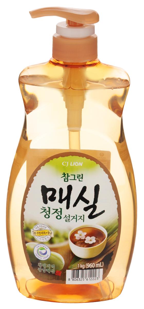 Средство для мытья посуды Cj Lion Chamgreen, с экстрактом японского абрикоса, 960 мл113330Средство Cj Lion Chamgreen для мытья посуды, овощей и фруктов - это средство высшего класса. Моющие компоненты растительного происхождения - содержит экстракт японского абрикоса (зеленой сливы). Уникальная технология Антисептик 99,9%- благодаря природному антибактериальному свойству зеленой сливы эффективно борется с бактериями. Подходит для мытья посуды, дезинфекции разделочной доски и губки. Усиленная формула для защиты рук - содержит увлажняющие компоненты на растительной основе. Ключевые преимущества: - легко и без остатка смывается, даже холодной водой. - мягко воздействует на руки - моющие компоненты на растительной основе действуют мягко, а также увлажняют кожу. - использование высококачественных материалов растительного происхождения первого сорта позволяет использовать средство также для мытья овощей и фруктов. - обладает приятным ароматом. Состав: на растительной основе, анионные ПАВ 17,5%, альфа олефин, ...