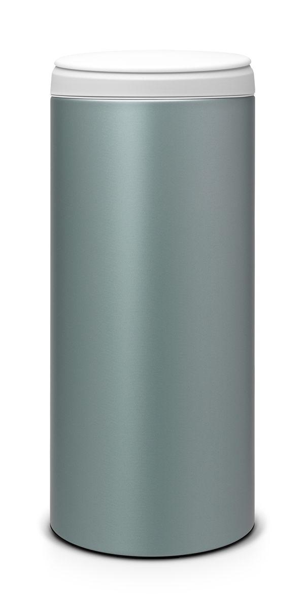Бак мусорный Brabantia FlipBin, цвет: мятный металлик, 30 л106880Бак Brabantia FlipBin имеет не только превосходную лицевую сторону, но и удивительную изнанку. Создан, чтобы удивлять и радовать: одно движение пальцем и крышка сама поднимается вверх, а внутри еще один сюрприз - внутреннее ведро теперь имеет цвет! Ну и последний штрих - цветной ободок снаружи для свежих эффектных мазков в палитру вашего интерьера! Особенности: Прост в обращении - открывается одним кончиком пальца; При открывании крышка не задевает стену; Удобная очистка - съемное пластиковое ведро с ручками; Всегда опрятный вид - идеально подходящие по размеру мешки для мусора с завязками (размер G); Защитный нижний обод.