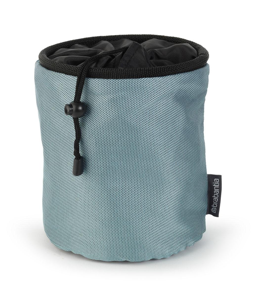Мешок для прищепок Brabantia. 105784105784_серо-голубой металликМешок для прищепок Brabantia, изготовленный из высококачественного текстиля, позволит хранить все прищепки в одном месте, благодаря чему они всегда будут под рукой. Мешок вмещает достаточное количество прищепок и удобно крепится к сушилке с помощью специального металлического карабина. Прочный и долговечный мешок затягивается специальным шнуром, благодаря чему ваши прищепки всегда будут чистые и сухие. Размер мешка (в собранном виде): 16,5 х 16,5 х 5 см. Размер мешка (в разложенном виде): 16,5 х 16,5 х 18,5 см.
