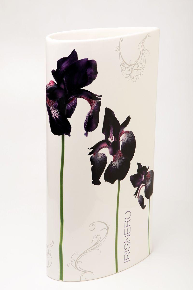Ваза Ceramiche Viva Черные ирисы, высота 40 см72174Изящная ваза Ceramiche Viva Черные ирисы изготовлена из керамики и оформлена цветочным рисунком. Изделие сочетает в себе оригинальный дизайн с максимальной функциональностью. Ваза Ceramiche Viva Черные ирисы дополнит интерьер офиса или дома и станет желанным подарком для ваших близких. Диаметр вазы: 21 см. Высота вазы: 40 см.