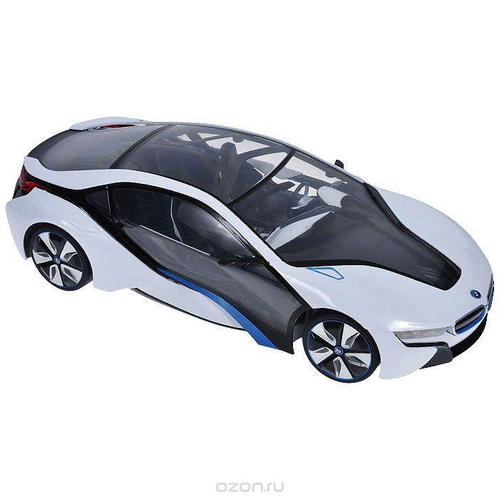 Rastar Радиоуправляемая модель BMW i8 цвет белый масштаб 1:1449600-11 белыйРадиоуправляемая модель автомобиля BMW i8 в масштабе 1:14. Модель в точности повторяет прототип, детально воспроизведен салон автомобиля. Передние колеса снабжены амортизаторами. Модель изготовлена из высококачественного пластика. В комплект поставки входит радиоуправляемая модель автомобиля BMW i8, пульт управления и инструкция. Батарейки в комплект не входят. Радиус действия пульта управления – до 30 метров. Нажав на крышу машины вы увидите блестящие световые эффекты.