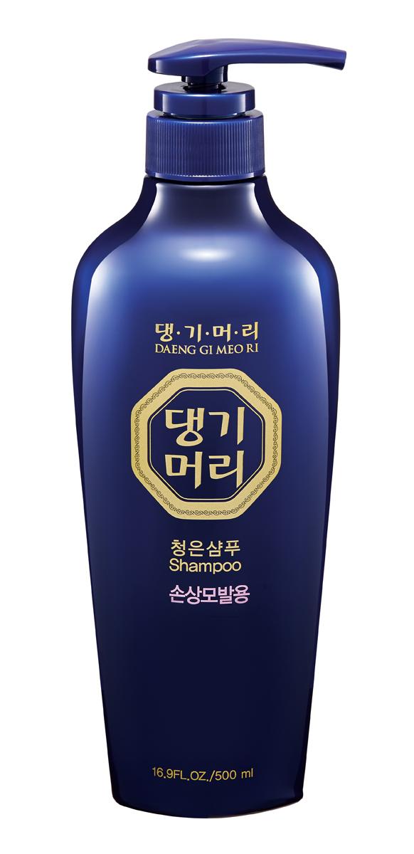 DaengGiMeоRi Шампунь для поврежденных волос Chungeun, 500 мл8807779084703Уникальная косметическая продукция Тенги Мори производится на основе экстрактов восточных лечебных трав по технологии, основанной на народных рецептах изготовления косметики в Корее. Шампунь содержит экстракты хризантемы сибирской, женьшеня, горца многоцветкового и коры шелковицы, которые способствуют улучшению циркуляции крови в коже головы и придают волосам силу и эластичность. Протеины шелка, содержащие различные аминокислоты, значительно улучшают структуру волос. Аргановое масло питает волосы, придавая им здоровый блеск и мягкость. Шампунь бережно очищает кожу головы и восстанавливает поврежденные волосы
