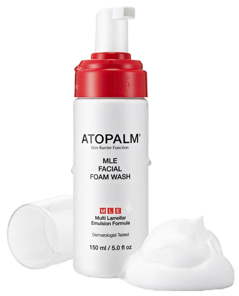 Atopalm Пенка для умывания, 150 мл8809048412606Инновационная запатентованная формула МЛЕ (многослойная эмульсия) с псевдодермальным липидным комплексом, повторяющим строение липидных слоев кожи, направлена на восстановление и усиление её барьерной функции. Свойства: бережно очищает кожу, придавая чистоту и свежесть; поддерживает оптимальный уровень увлажненности; обладает антибактериальным свойством; снимает раздражение и покраснение; подходит для чувствительной кожи.
