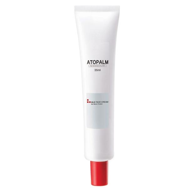 Atopalm Крем для лица, 35 мл8809048412620Компанияпроизводитель Neopharm разработала уникальную технологию защиты кожи, основанную на MLE. MLE – это многослойная эмульсия, которая воспроизводит слоистую структуру кожи. Содержащиеся в креме витамины В и Е, создают антиоксидантный эффект, активизируя клеточное обновление, бисаболол и алантоин уменьшают раздражение и воспаление.