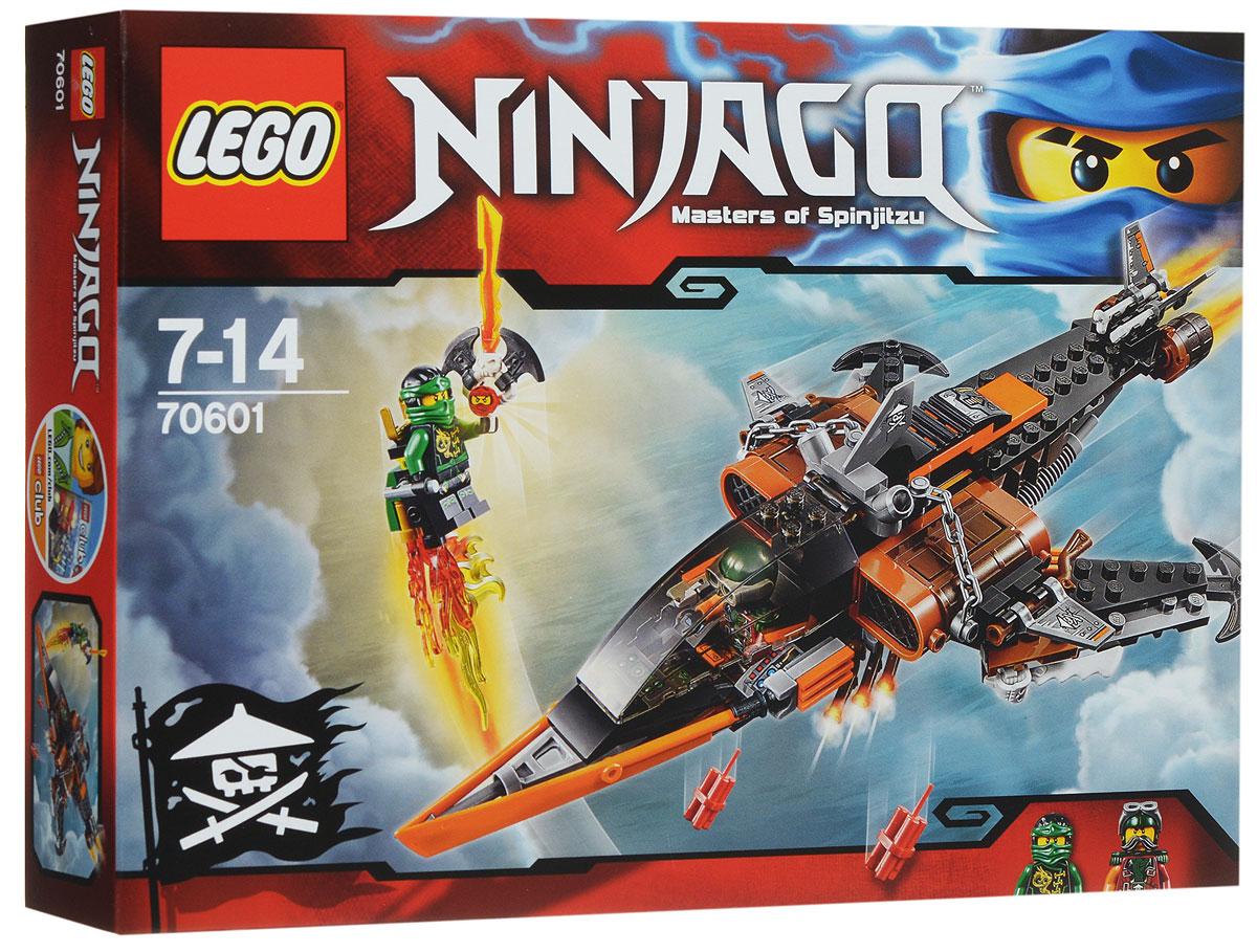LEGO NINJAGO Конструктор Небесная акула 7060170601Отправьте беспилотник на разведку к этому удивительному самолету, оснащенному целым набором опасных клинков, пушек и всяких классных пиратских штучек. Но остерегайтесь подвоха - Небесная акула может сбросить динамит или тухлую рыбу в любой момент! Затем превратите беспилотник в реактивный ранец для Ллойда и отправьте героя-ниндзя в бой. Сбейте Небесную акулу и сражайтесь, чтобы освободить Кая, заточенного в Джинн-клинок! Набор включает в себя 221 разноцветный пластиковый элемент. Конструктор - это один из самых увлекательных и веселых способов времяпрепровождения. Ребенок сможет часами играть с конструктором, придумывая различные ситуации и истории.